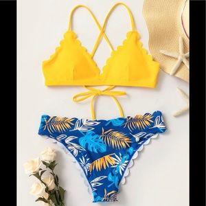 SHEIN Scalloped Trim Bikini Swimsuit